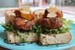 【2日間限定!】「小さな牛メンチと、カボチャとチーズペースト」 肉肉しさと秋の憂いの双方を感じさせる、贅沢サンドです♪ 西荻窪・3&1 Sandwich トレ エ ウーノ
