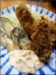 牡蠣ミックスをタルタルとバターで堪能しました!場内:小田保