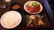 東新宿「やきとり酒場」カツオタタキ・鶏唐揚・豚バラ生姜焼