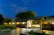 山田池公園の花しょうぶ園のライトアップがはじまってる2017