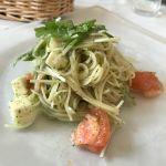 アマルフィイ モデルナ 丸の内オアゾ。フレッシュトマトとモッツァレラチーズの冷製パスタ カッペリーニ ジェノベーゼ風