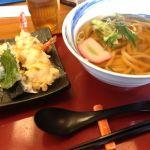 杵屋 ヘップファイブ店。国産米と書いてあるので産地を聞いたら香川県産のヒノヒカリだって。すでに天ぷらうどんをオーダーしてましたが、確認してくれました。混ぜたりしてないお米とのこと。 #okfood