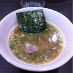 二代目 げんこつ屋 新横浜ラーメン博物館店に来ました( ´ ▽ ` )ノ和風スープと白湯スープのコラボレーションは、初代げんこつ屋を思い出させてくれる一品でした。