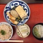 黒百合   おでんランチ(680円)   ごはんは茶飯 。ツミレの骨の歯ざわりに満足。