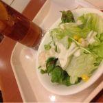 イタリアントマトカフェジュニア 札幌アピア店ランチセットのドリンクとサラダです