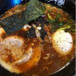 らあめん花月嵐 イオンモール神戸北店 #ramen  豚骨スープに「ブラック背脂」と「ブラックタレ」が加わり、焦がしニンニクの効いたスープ。大判チャーシューにとろーり半熟味玉が美味い。