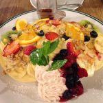 CAFE NOISE artcafe&dining サンシャイン池袋/フルーツパンケーキ。フルーツ盛り盛りでボリューム満点。生地は、卵蒸しパン?って感じで好みじゃなかった(T_T)