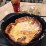 ロージーズ カフェ ルミネ大宮オリジナルパンケーキ。シンプルな生地にクリームチーズ、メープル、レモンをお好みでかけられます。美味しい(*^^*)