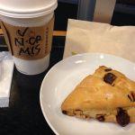 カフェミスト&チョコレートチャンクスコーン@スターバックス・コーヒー 秋葉原駅前店
