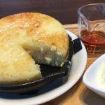 東京 ロビー 丸の内 KITTE  ふわっふわでおいしいです(๑´•.̫ • `๑)バターの味がよくきいてます。ふわふわだし鉄板であつあつだしおいしいです。