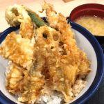 羽田空港の天丼てんやで活〆穴子、めごち、海老を盛り込んだ夏天丼!