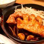 熱厚鉄板とんてき定食@ぎおん亭 交通センター店。ドーンと250g∑(゚Д゚)らしい