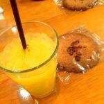 ワークショップのおまけでドリンクとクッキーいただきましたー٩(ˊᗜˋ*)و✧*。T.C cafe 岡山店