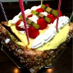 ケーニヒス クローネ 阪神百貨店手頃な価格で大きくて美味しいストロベリーフルーツパイを🎵遅くなりましたが…姪っ子の誕生日に🎵