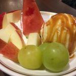 シビタス/フルーツホットケーキの別盛りのフルーツはその季節で内容が変わります。
