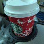 スターバックス・コーヒー ルミネエスト新宿店   コーヒー(280円)   カップがクリスマス仕様です