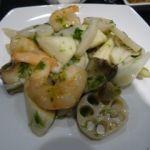 揚州飯店 渋谷店   海老と赤西貝の青海苔炒め    赤西貝は小口切りしてあって元の形は分からない