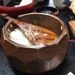 泉仙 大慈院店   御飯   1本の木から作ってあるようなお櫃です