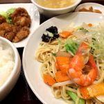 台湾小皿酒家 五福台湾風塩焼きそばと油淋鶏のセット880円🎵