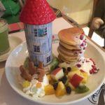 ムーミンベーカリー&カフェ 東京ドームシティ・ラクーア店期間限定メニュー!盛り合わせのフルーツをパンケーキに乗せて食べても美味しいです☺️