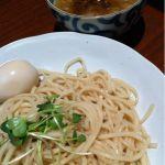 東京とんこつ 萬燈行 アレアレア立川店に来ました。濃いめのスープで太めの麺がもちもちしていて美味かった。