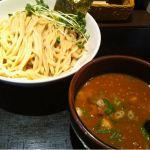 麺 ブラウン
