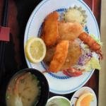 大食堂「渚」。焼津