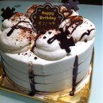 お誕生日ケーキ買いました♡ふんわりしっとり柔らかシフォンケーキ。ココは間違いなし!!(=^ェ^=)