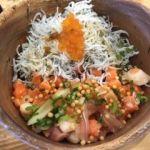 こめらく・足柄SA(上り)   海鮮ぶっかけ丼( 1180円)   まずは海鮮丼で頂きます。