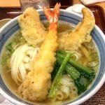 きしめん よしだ エスカ店で、きしめんセット だしが美味しい。きしめんて柔らかくて腰があって美味しい。 #名古屋飯
