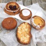 ダークチェリーデニッシュ、瀬戸内レモンのデニッシュペストリー、デンマークロール、カンパーニュのフレンチトースト(オレンジ&アーモンド)、十勝小豆のあんドーナツ
