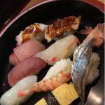 今日のランチは、ご一緒した先輩がお寿司食べたいって事で、彦寿司でにぎり定食を頂きました。ご馳走様でした。