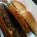 マクドナルド 東神奈川駅店に来ました。次の打合せまで時間空きやがったからヤケクソアイダホ食いおさめ。