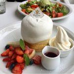 パンケーキ専門店 Butter Premium ららぽーと豊洲ミックスベリーのホワイトタワーをいただきました。オーダーを忘れられていて、サーブまで30分ちょっとガッカリ