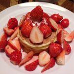 j.s. pancake cafe マークイズみなとみらい店/モアストロベリーホワイトチョコパンケーキ🥞🍓が通常の300%増しまし😝苺を🍓堪能出来ます。去年は500%だった