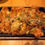 妻家房 有楽町イトシア店  豚プルコギセット(1180円)   韓国で初めて食べた時には兜の上で焼いてました