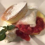 期間限定 とちおとめ&苺バニラ大福のパンケーキ