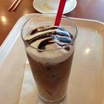 イタリアン・トマトカフェJr. 浜松ザザシティ店でアイスカフェモカなう 大道芸を見て興奮した後の のんびりティータイム