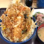 初夏の海鮮天丼٩(ˊᗜˋ*)و  漬けマグロ美味しかった♪ ほうれん草のおひたしも必須です♪#天丼てんや 町田東店#てんや #天丼 #町田