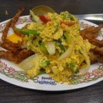 ゲウチャイ 成田店   ブーニンパッポンカリー(1188円)  ソフトシェルクラブのカレー風味炒め。タイからの観光客も大勢来ていた。