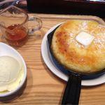 東京 ロビー 丸の内 KITTE鉄鍋パンケーキ!ドリンクとアイスが付いて1200円はかなりお得!熱々にバターがとろけて、何もかけなくても美味しい!