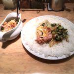 インド式 チャオカリー 新宿野村ビル店ベーコンエッグ野菜ホウレン草カレー
