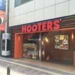 HOOTERS 新宿西口店