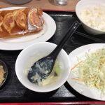 歓迎 東京スクエアガーデンで、餃子定食ランチ。あと4個餃子が来ます。