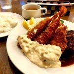 遅がけランチなのか早めの晩ご飯なのか…久し振りにこちらでハンバーグ&海老フライに魚フライをつけて♬フライも美味しいけどハンバーグが肉汁ドバー‼️でウマーー♬