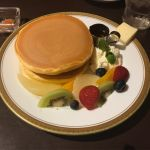 丸福珈琲のホットケーキ、季節のコンフィチュール添え〜メイプルシロップ〜ふわふわで安定の味❤️