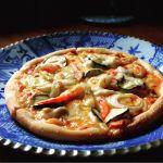 畑のてんとう虫ランチのピザ