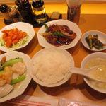 551蓬莱 関西空港店 長女と551食べる為に関空来た551定食¥1600やっぱ旨いねぇ〜(≧∇≦)