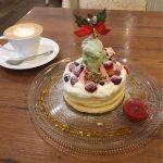パンケーキカフェ mog 京橋店ピスタチオと苺のクリスマスパンケーキ