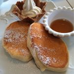 谷中 TENSUKE CAFEさま。プレーンパンケーキ。ホットケーキというよりスフレケーキ。美味しいでし☆